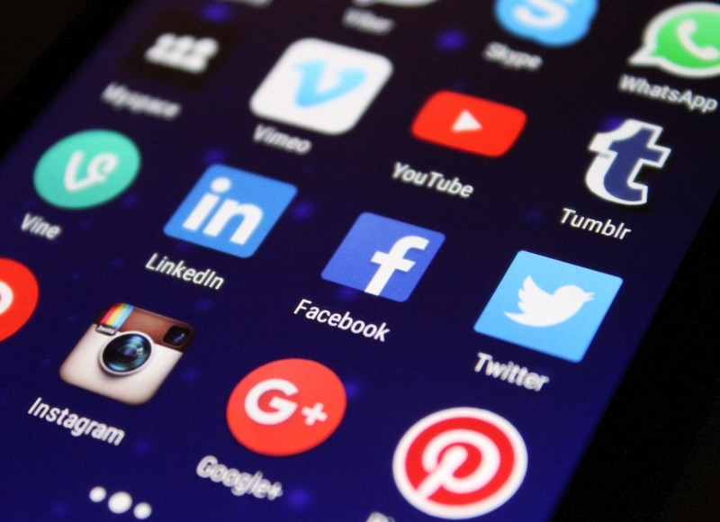 7 Ways To Stand Out on Social Media - The Department of Marketing